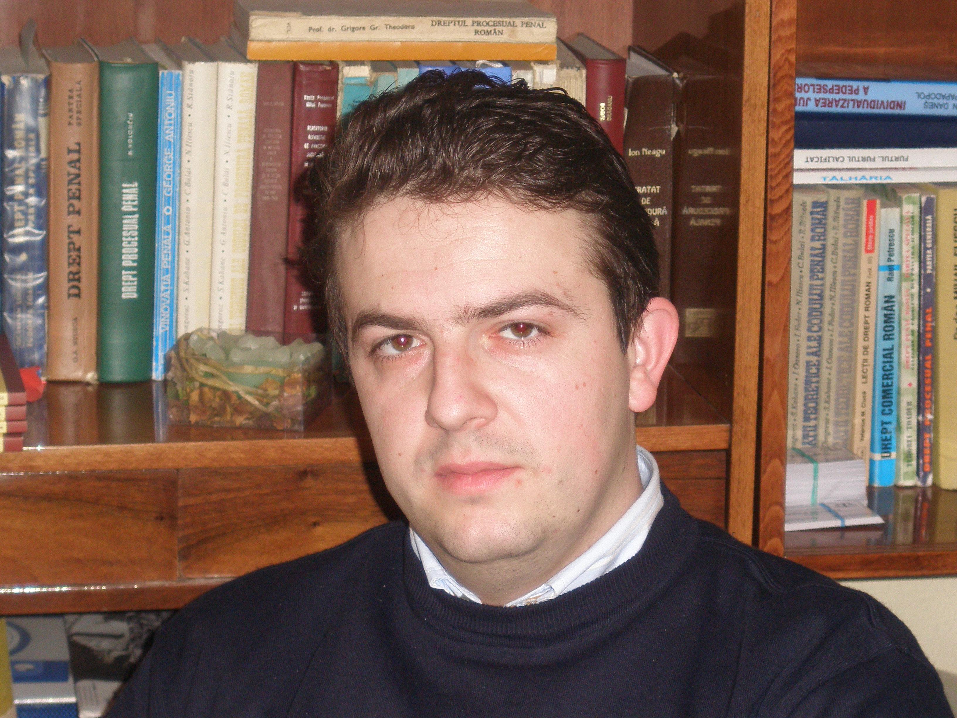 Publica cartea ta la Editura Stiintifica Lumen razvan viorescu